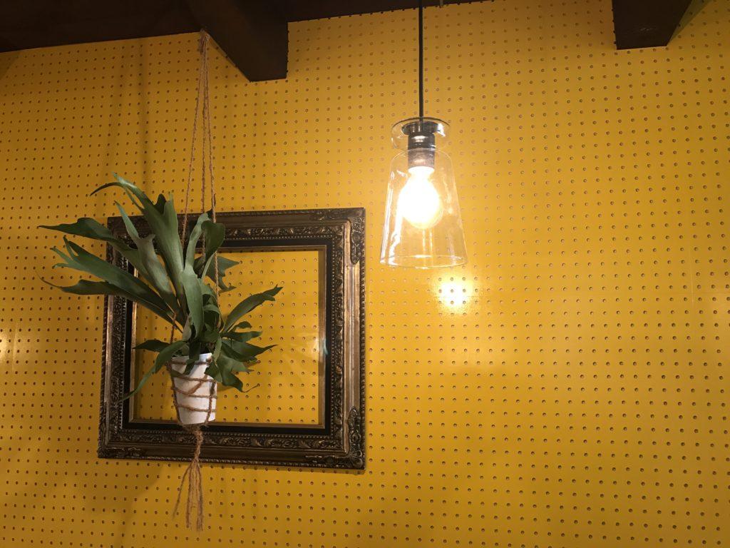 samcoupeの店内の照明