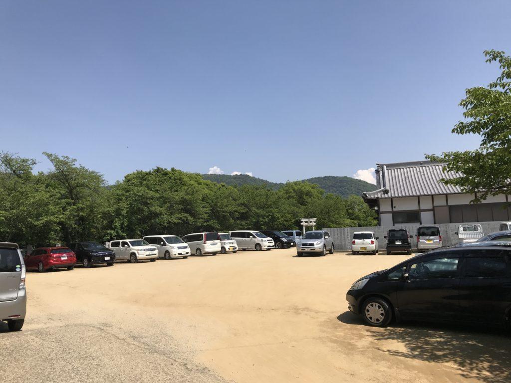 【高屋神社】の駐車場