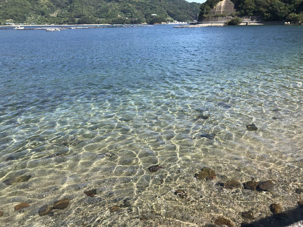 【九島】の砂浜の海岸風景