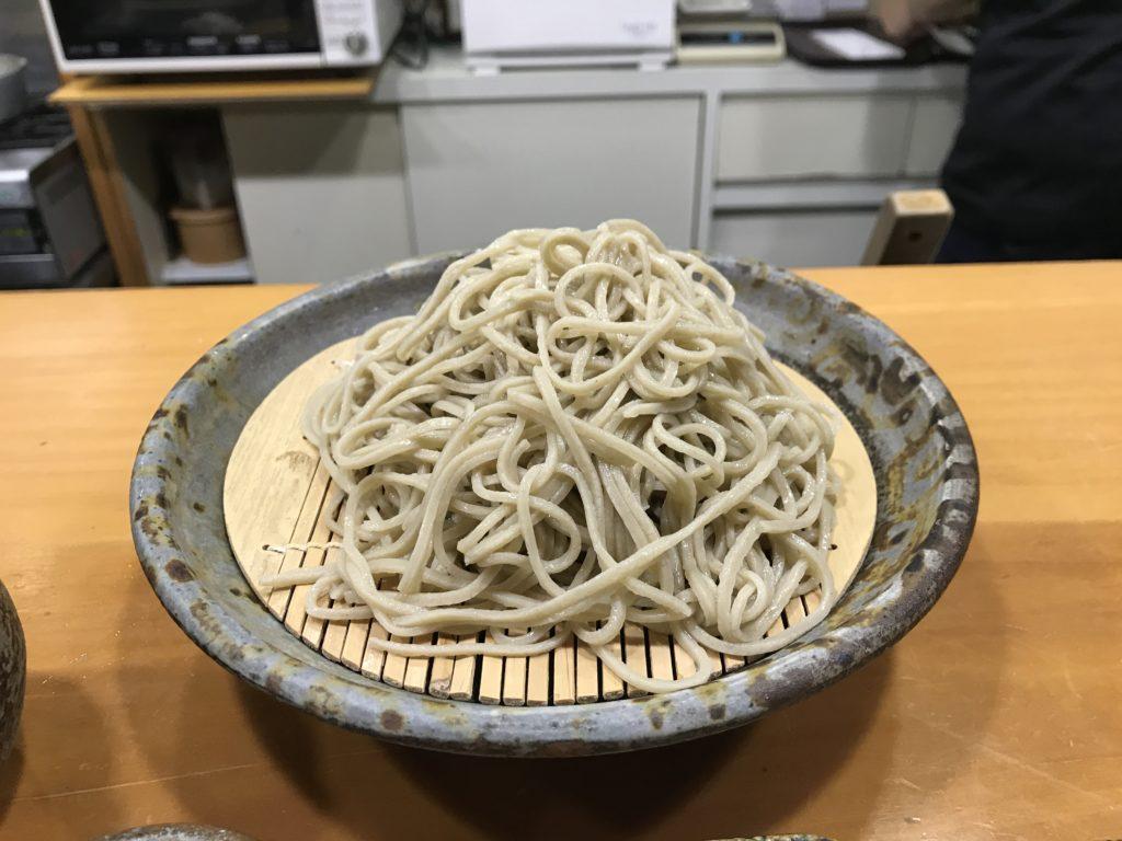 『蕎麦まえの』の【天ぷらせいろ】の盛りそば