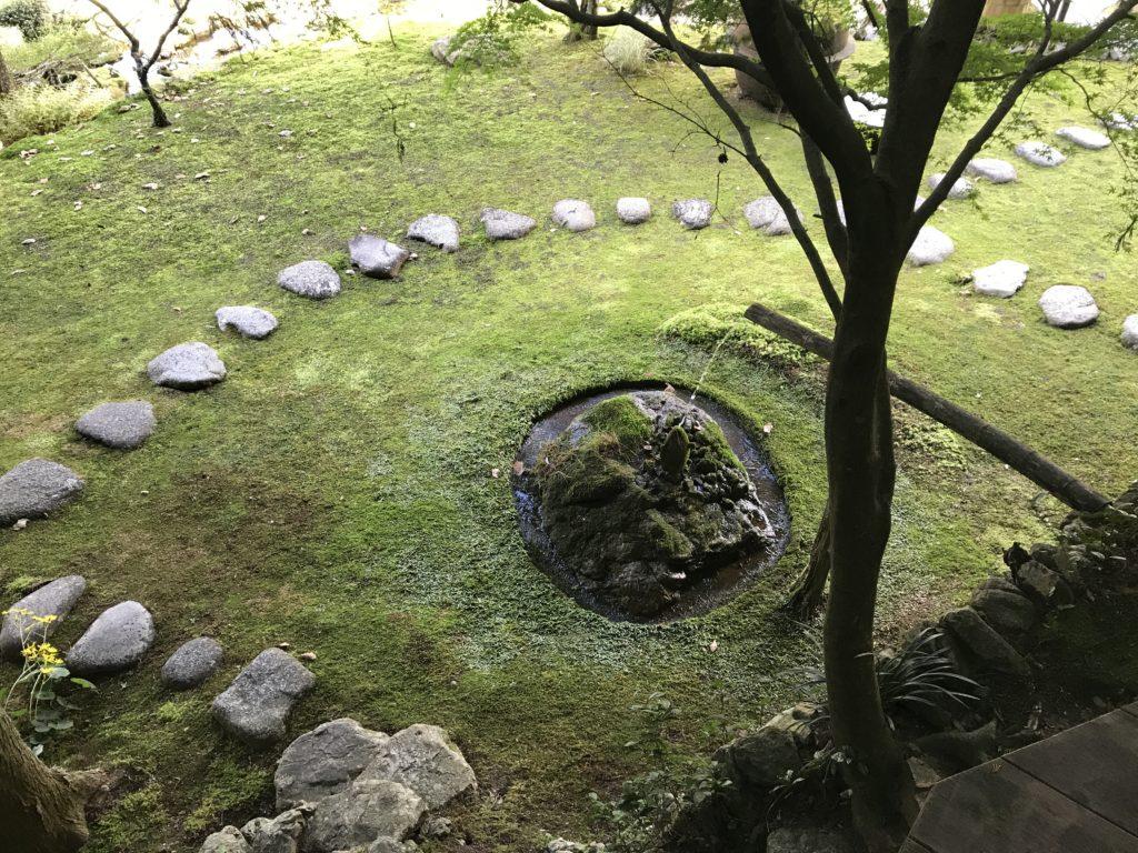 『こけむしろ』の苔庭