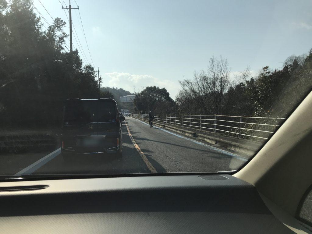 大山祇神社までの道のりで渋滞している風景